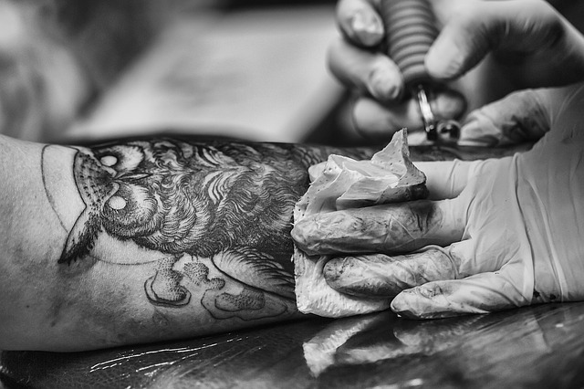 Points to Look For in a Good Tattoo Artist and Tattoo Shop